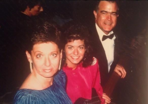 Debra Messing's family - parents