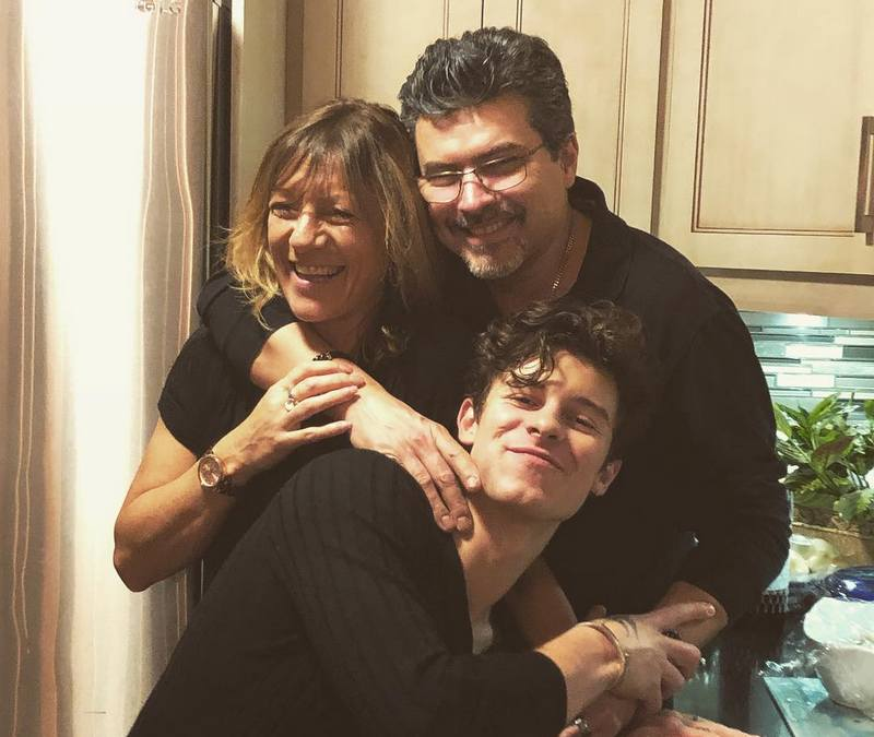 Shawn Mendes' family - parents