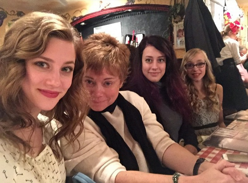 Lili Reinhart family