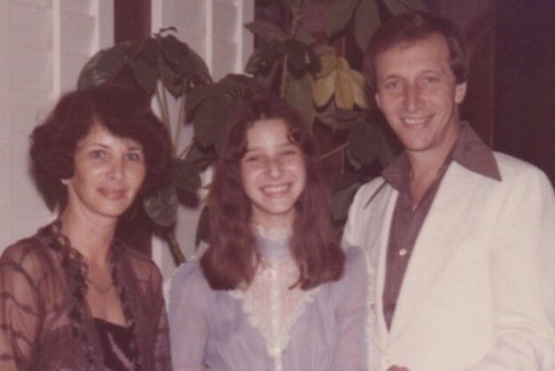 Lisa Kudrow family - parents