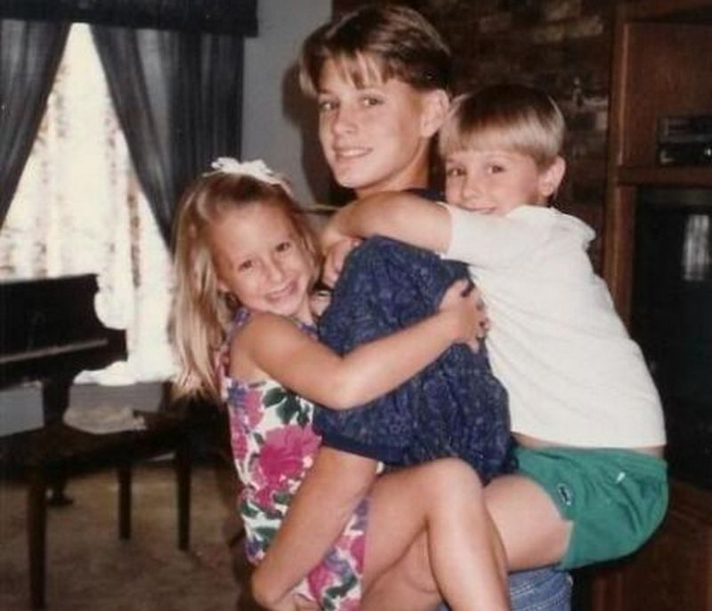 Jensen Ackles siblings