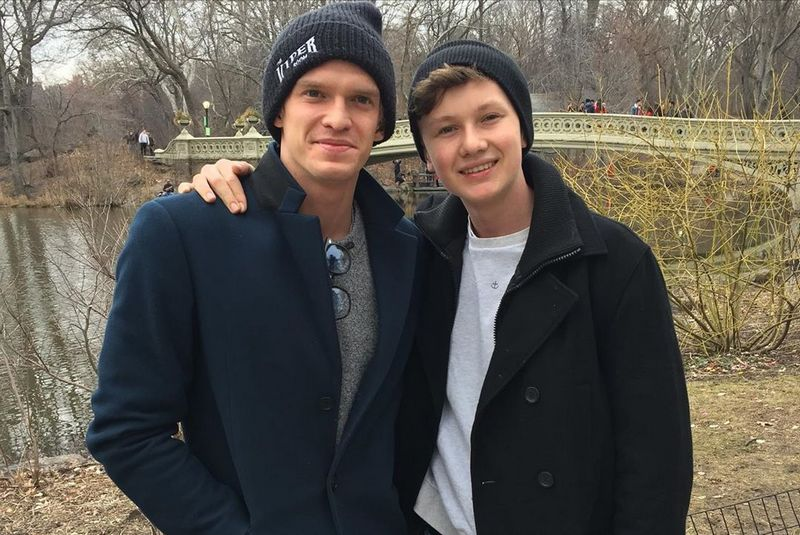 Cody Simpson siblings - brother Tom Simpson